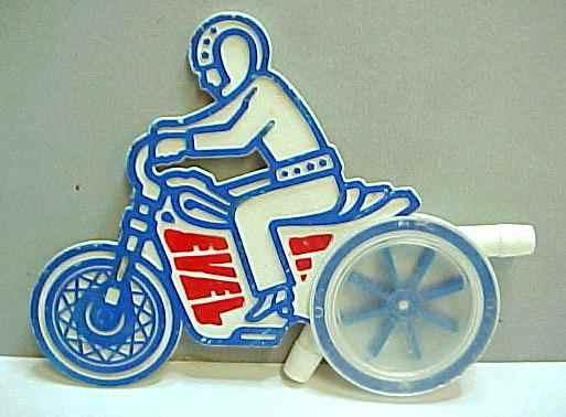 evel-whistle-lakeside-1974-jouets-harley-toys.jpg