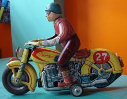 modern-toys-masudaya-4.jpg