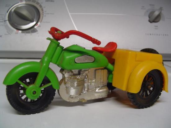 simms-inc-jouets-harley-toys-2.jpg