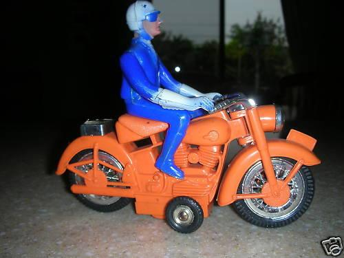 speed-cycle-jouets-harley-toys-3.jpg