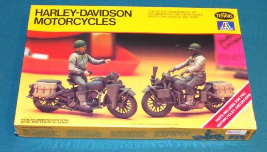 testors-italeri-jouets-harley-toys.jpg